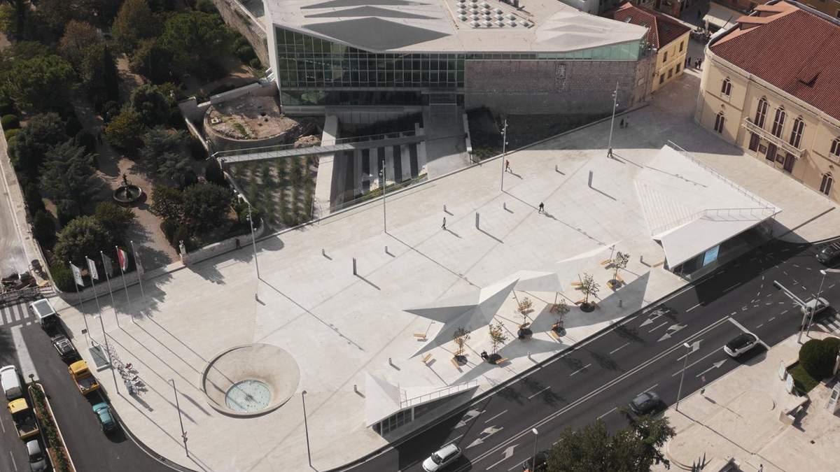 Соответствие современности руками студентов: невероятная реконструкция  площади в Хорватии