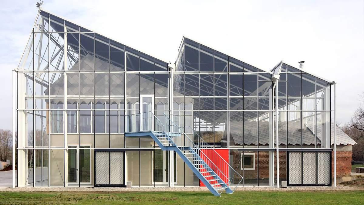 Магія скла та зосередженість на природі: вражаючий навчальний центр для бельгійських фермерів