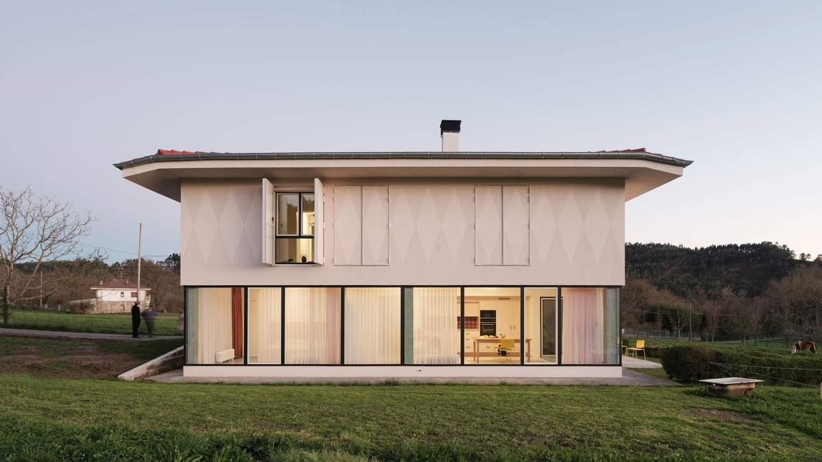 Два будинки з одного: неймовірне перетворення фермерського житла в Іспанії