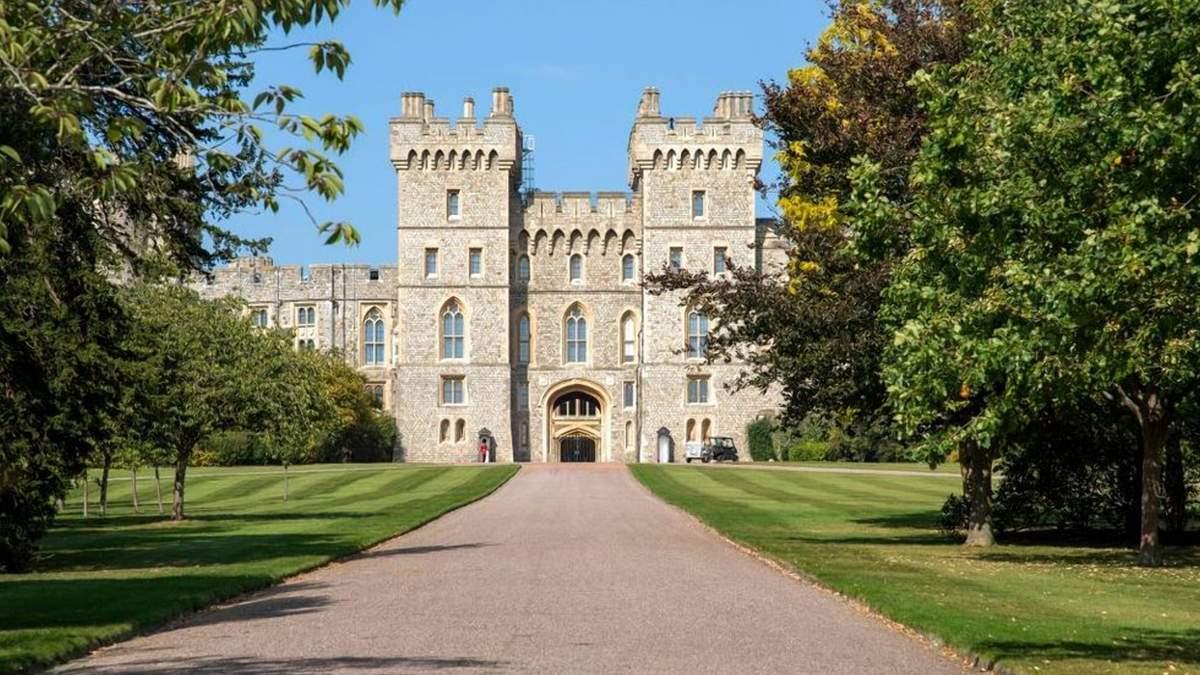 Где жил муж королевы: величественные владения принца Филиппа