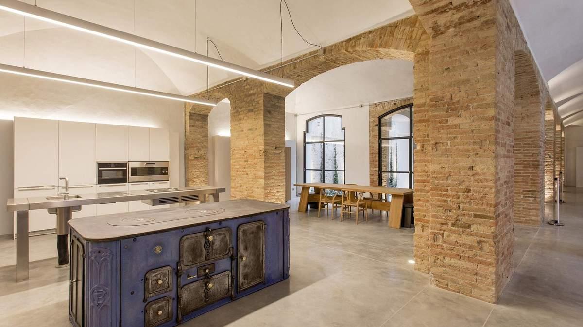 Історична вишуканість: квартира в Барселоні, яка дивує ідеальністю