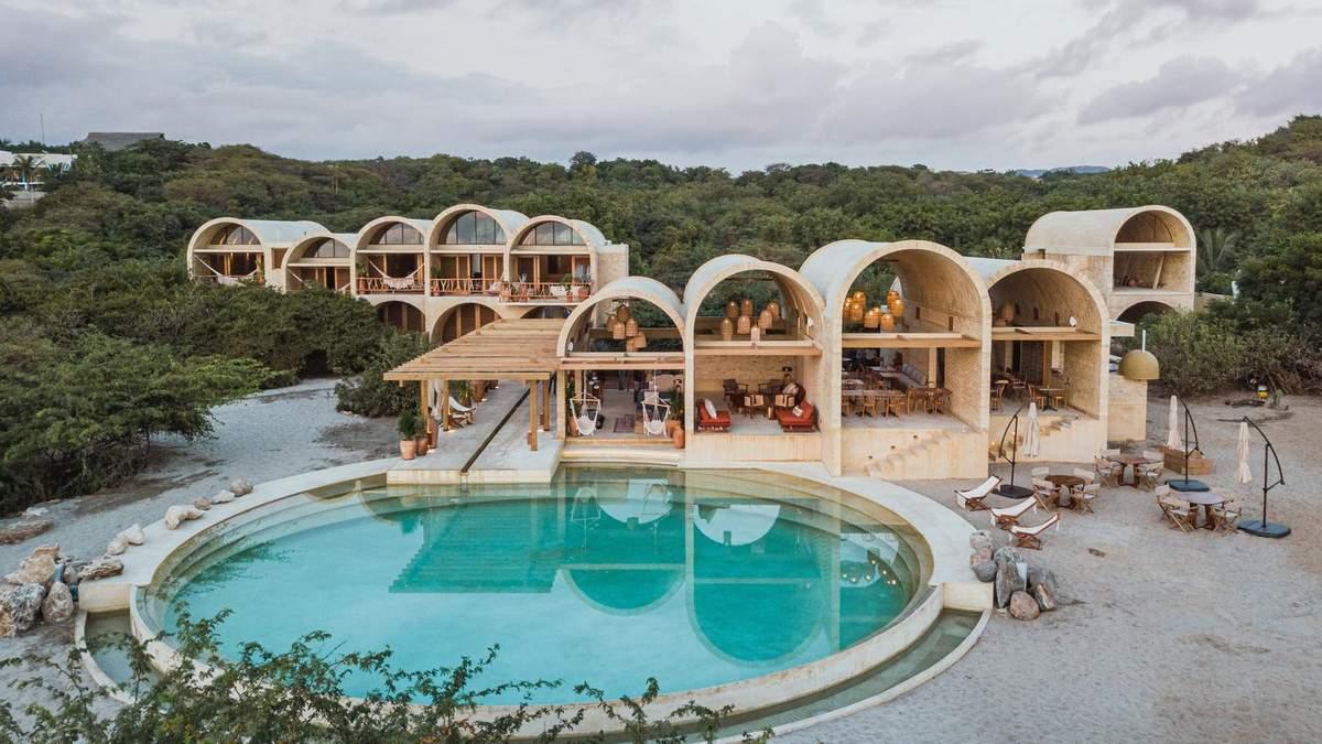 Игра уровней: в Мексике построили изысканный отель, что поражает дизайном