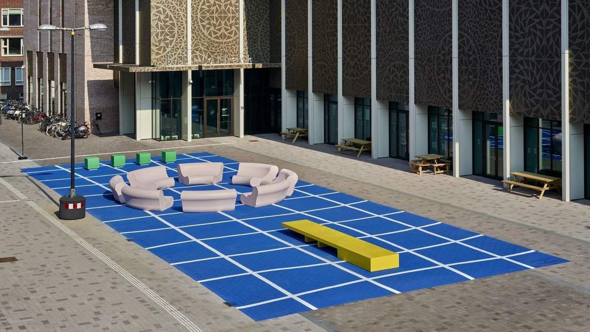Призыв к общению: в Нидерландах создали классную инсталяцию для сближения людей