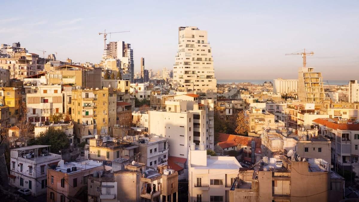 На горизонте залива: современный небоскреб в Бейруте с необычной формой