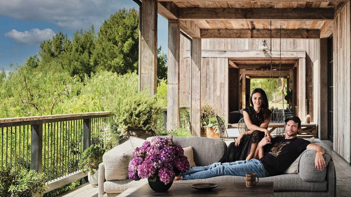Сучасний фермерський будинок: як виглядає дім мрії Міли Куніс та Ештона Катчера