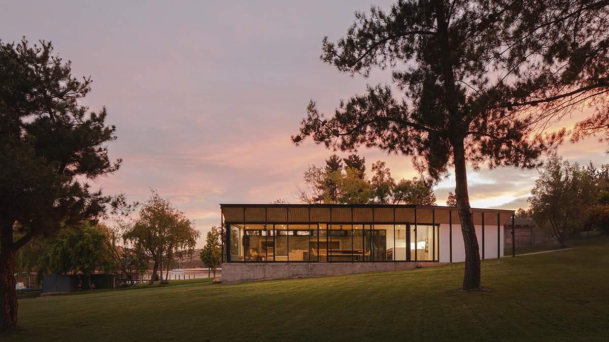 Озерный уют: в Чили построили замечательный дом у воды, который окутывает спокойствием