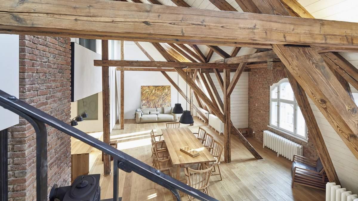 Магія дерева: як виглядає фантастична реновація квартири в Празі