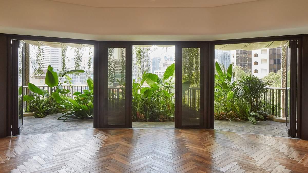 Природа на балконе: в Сингапуре высадили растения просто в небоскребе