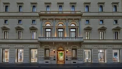 Революционное преобразование: в Риме здание Палаццо Мариньоли превратили в магазин Applе