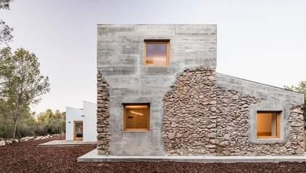 Каменный минимализм: фото роскошной исторической виллы в Испании