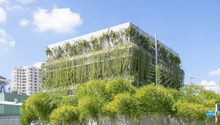 Гавань невероятного воркспейса: растения и уютные рабочие места в новом офисе во Вьетнаме