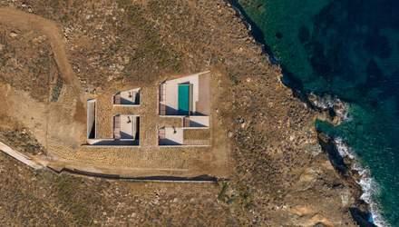 Дом-пещера на берегу Эгейского моря: фото невероятного жилья на историческом острове циклопов