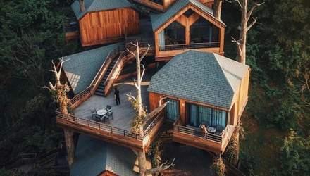 Вид на озеро с вершины холма: в Китае появится инновационный курорт – фото