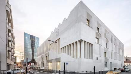 Строгая геометрия и удивительные размеры: величественное сооружение новой школы в Марселе