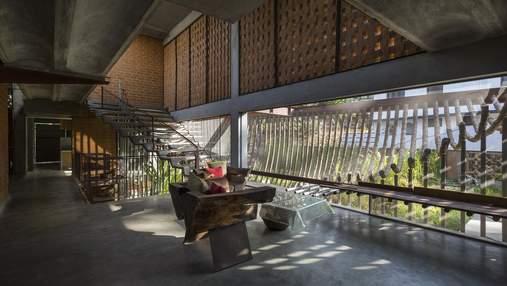 Бамбуковый фасад: в Индии построили необычный частный дом для семейной пары – фото