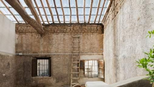 Как превратить старый сарай в стильное современное жилье знают в Мадриде: фото