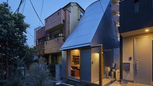 Преподаватель построил крошечный домик в центре Токио, чтобы быстрее приходить на работу – фото