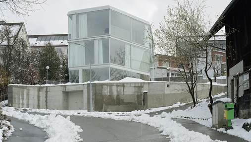 Дом с одной стеной: интересное решение для разделения помещения на две части в Швейцарии: фото