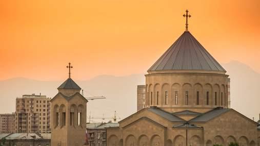 Потерянные памятники: в Армении представили иллюстрации разрушенных зданий страны – фото