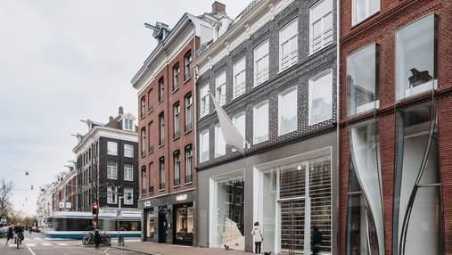 Пиксельный фасад: в центре Амстердама появился странный дом – фото