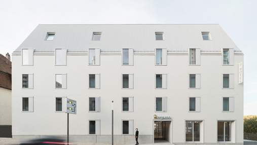 Отель-трапеция за пять дней в Германии: как выглядит экодом, который монтировали на месте