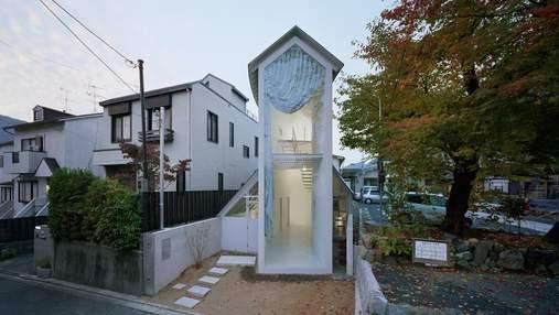 Словно сторожевая башня: очень узкий двухэтажный дом появился в Японии – фото