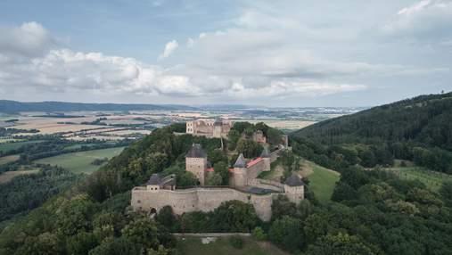 Аварийный замок Хельфштин в Чехии в конце восстановили: как он выглядит сегодня – фото