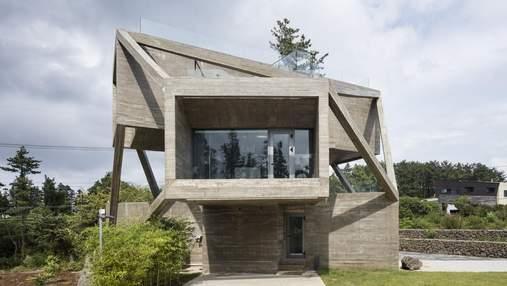 Простота із загадковою геометрією: у Чеджу звели будинок, який вражає формою