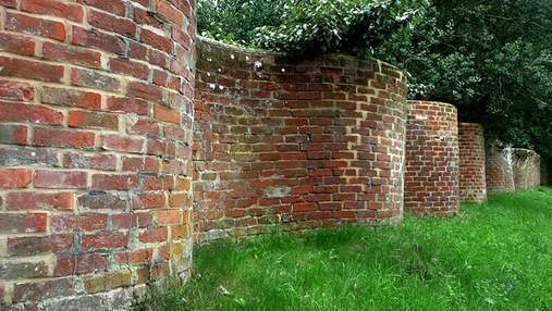 Хвиляста огорожа: чому у Великій Британії будували звивисті паркани