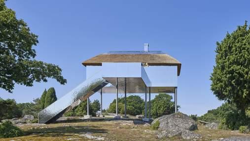 Оптическая иллюзия и единение с природой: зеркальный отель в шведском заповеднике