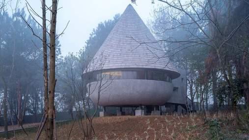 Дивовижний гриб: у Китаї збудували затишний лісовий будинок