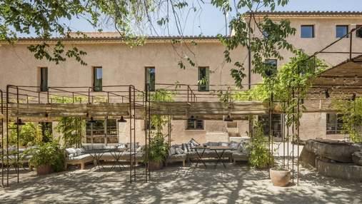 Реконструкція покинутої будівлі: з монастирського виноробного комплексу –у вишуканий готель