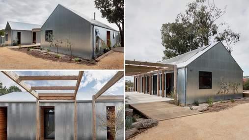 Блискучий будинок: мінімалістичний дім з металевим сайдингом, який неможливо не помітити
