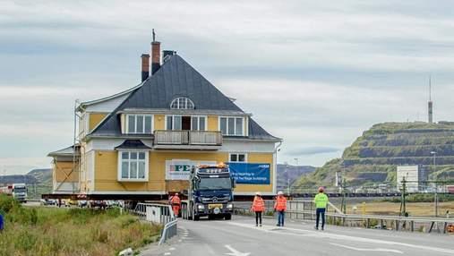 Сохранение идентичности: в Швеции на грузовиках перевозят целый город