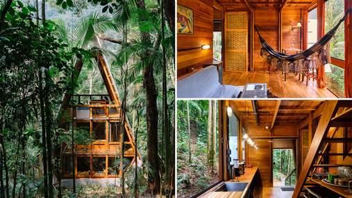 Каркасная хижина в бразильском лесу: внутри уютного деревянного интерьера