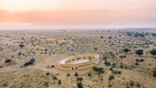 Школа среди песков: как выглядит образовательное учреждение для девушек в пустыне Тар