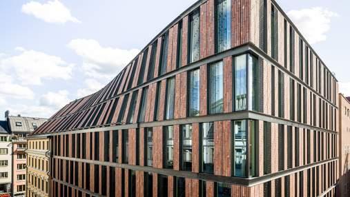 """Связь с историей: в Амстердаме старый дом связали с новым офисом """"изогнутым"""" фасадом"""