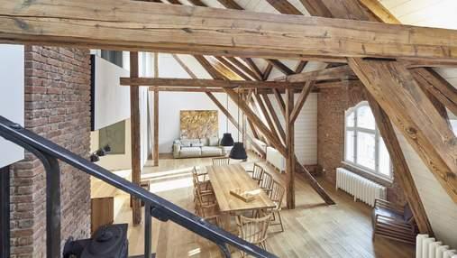 Магия дерева: как выглядит фантастическая реновация квартиры в Праге