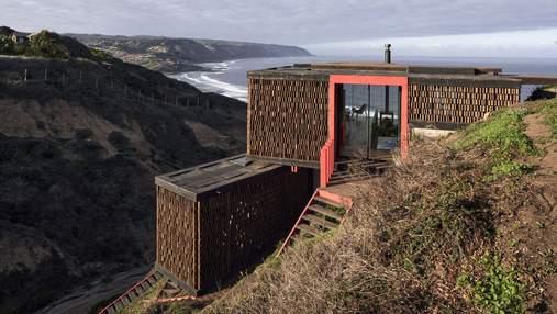 Удивительная геометрия с видом на океан: как выглядит дом в Чили, построенный на скале