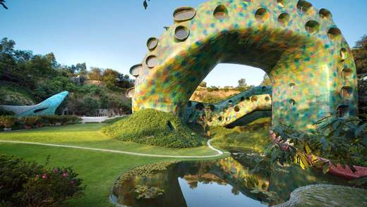 Дом-змея: в Мехико можно забронировать сюрреалистический отель – фото